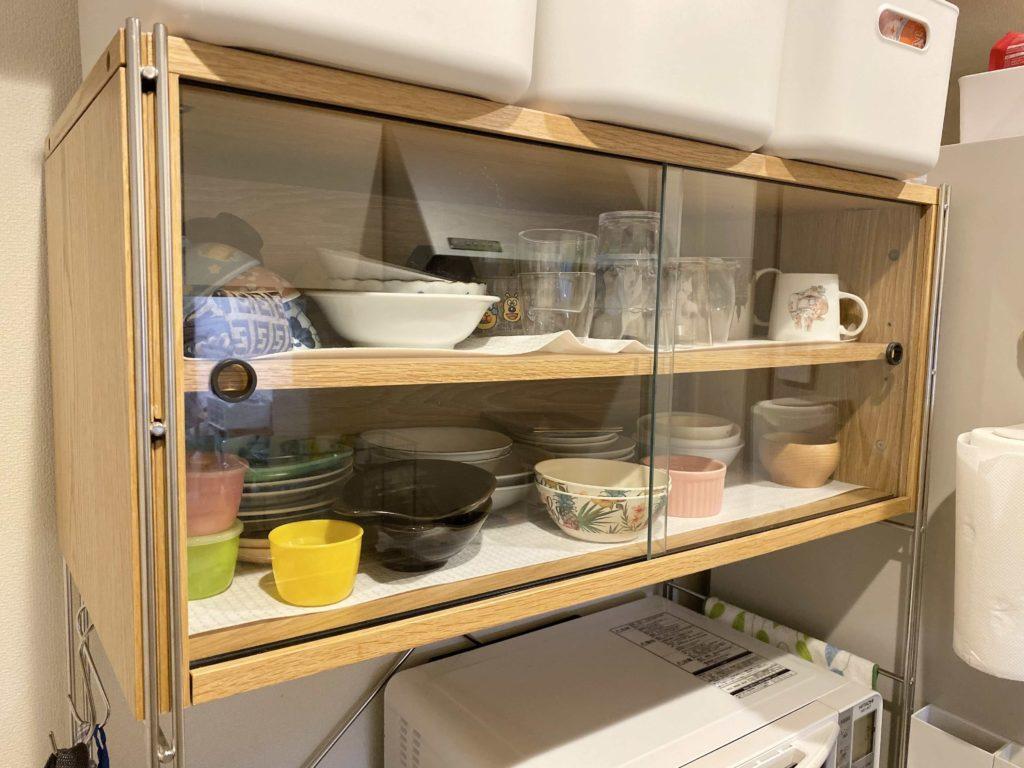 ユニットシェルフ最上段に食器棚