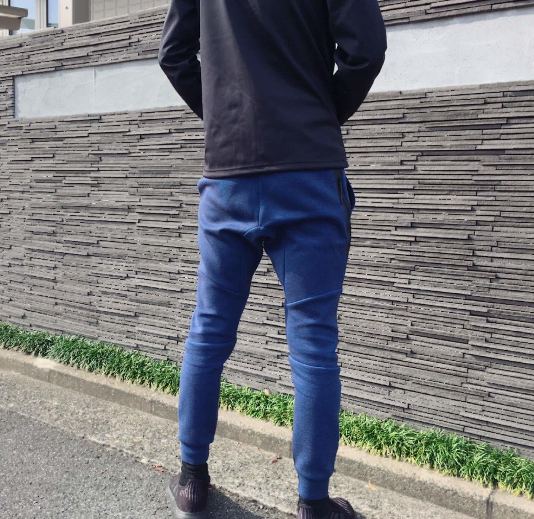 ナイキテックフリースジョガーパンツの後ろのサイズ感