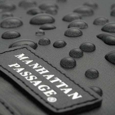 マンハッタンパッセージのバッグは撥水加工