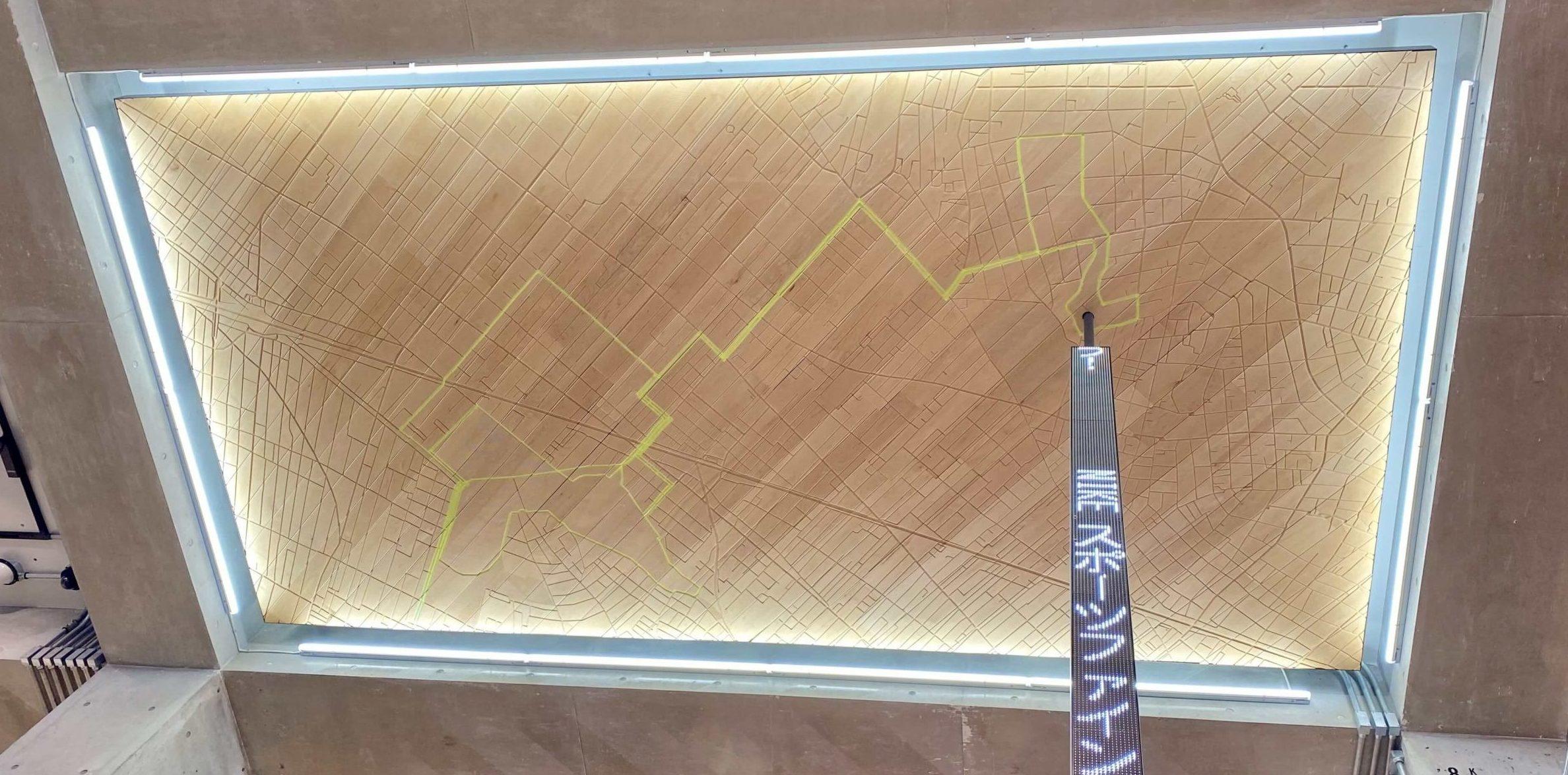 ナイキ吉祥寺の天井には井の頭公園のランニングコース