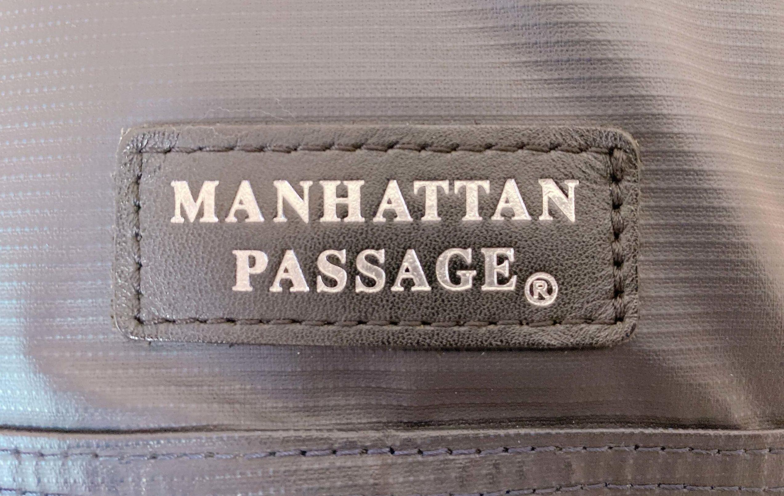 マンハッタンパッセージを3年間使用したときのロゴの経年変化