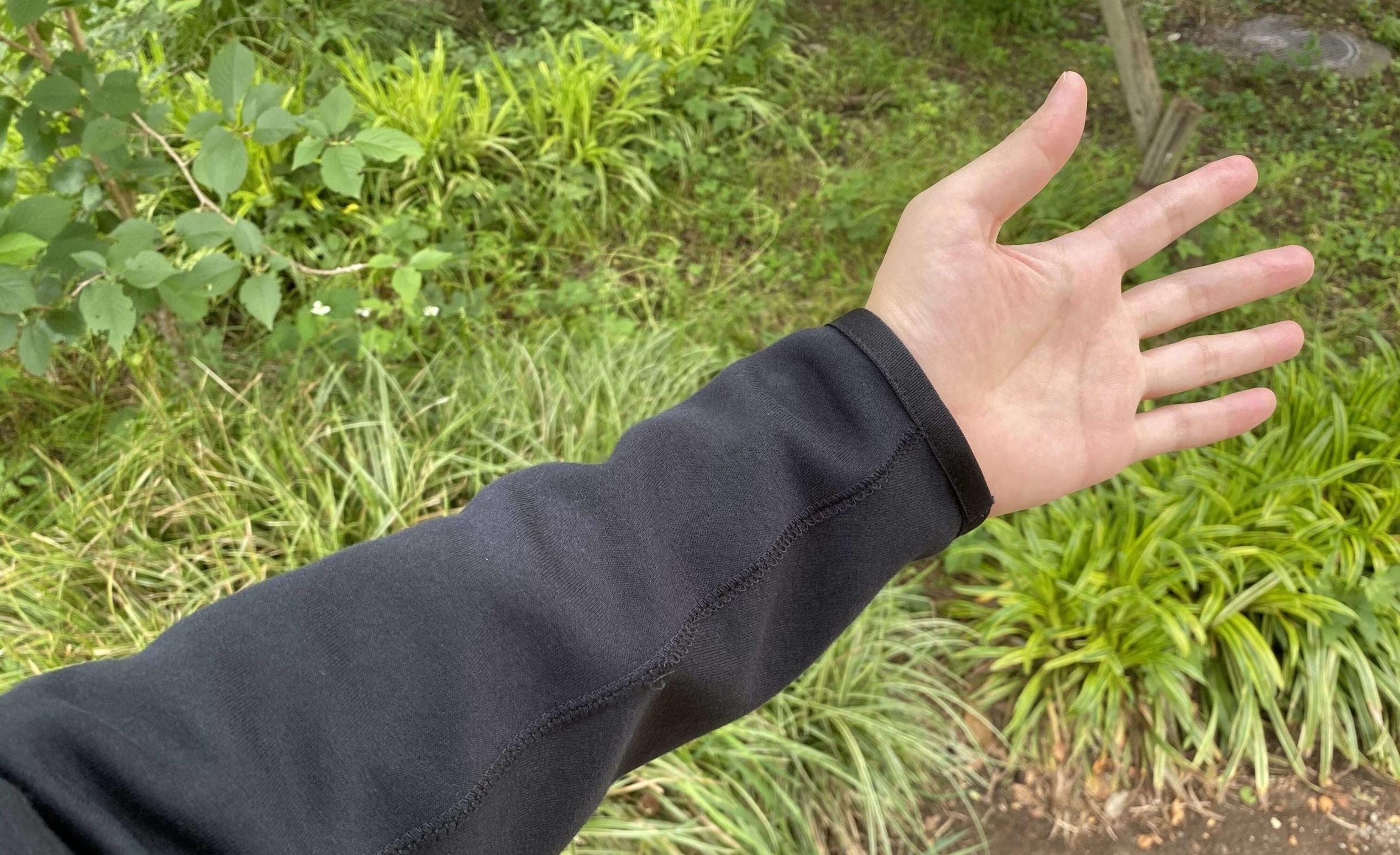 ナイキテックフリースパーカーの袖口部分