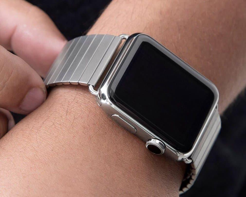 ビジネスに合うApple Watchの金属バンドの単連タイプ