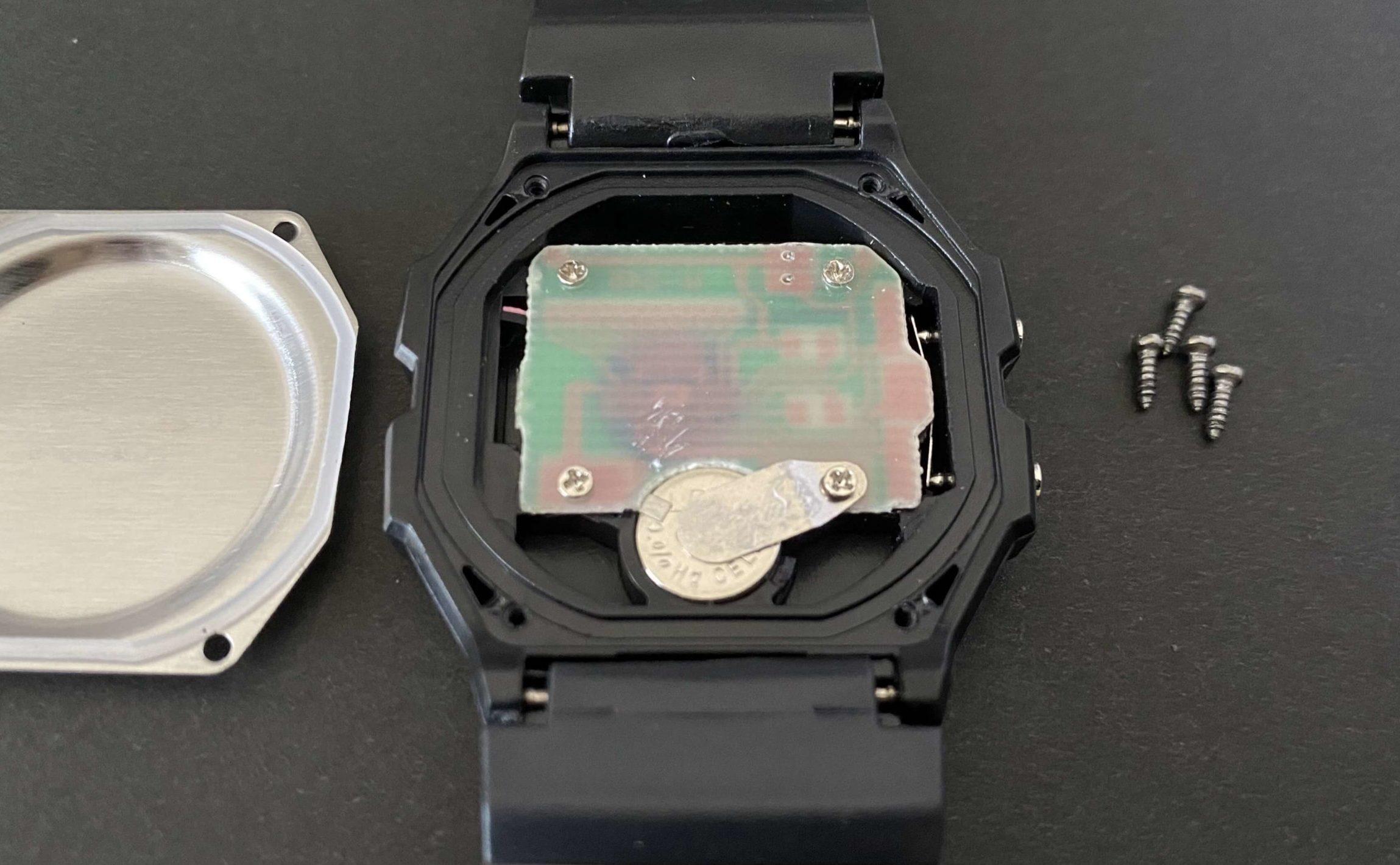 ダイソー腕時計の中にあるLR41電池