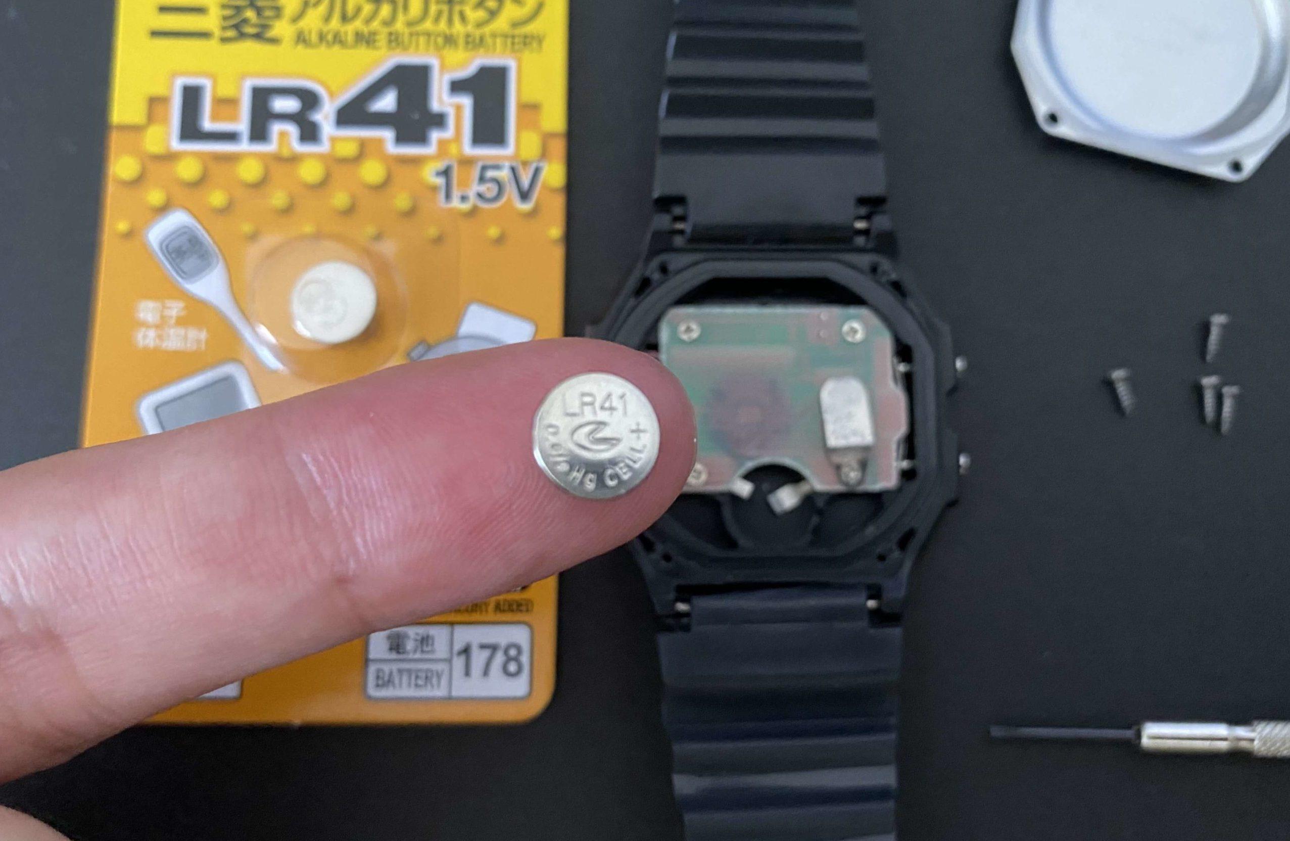 ダイソー腕時計から取り出したLR41電池