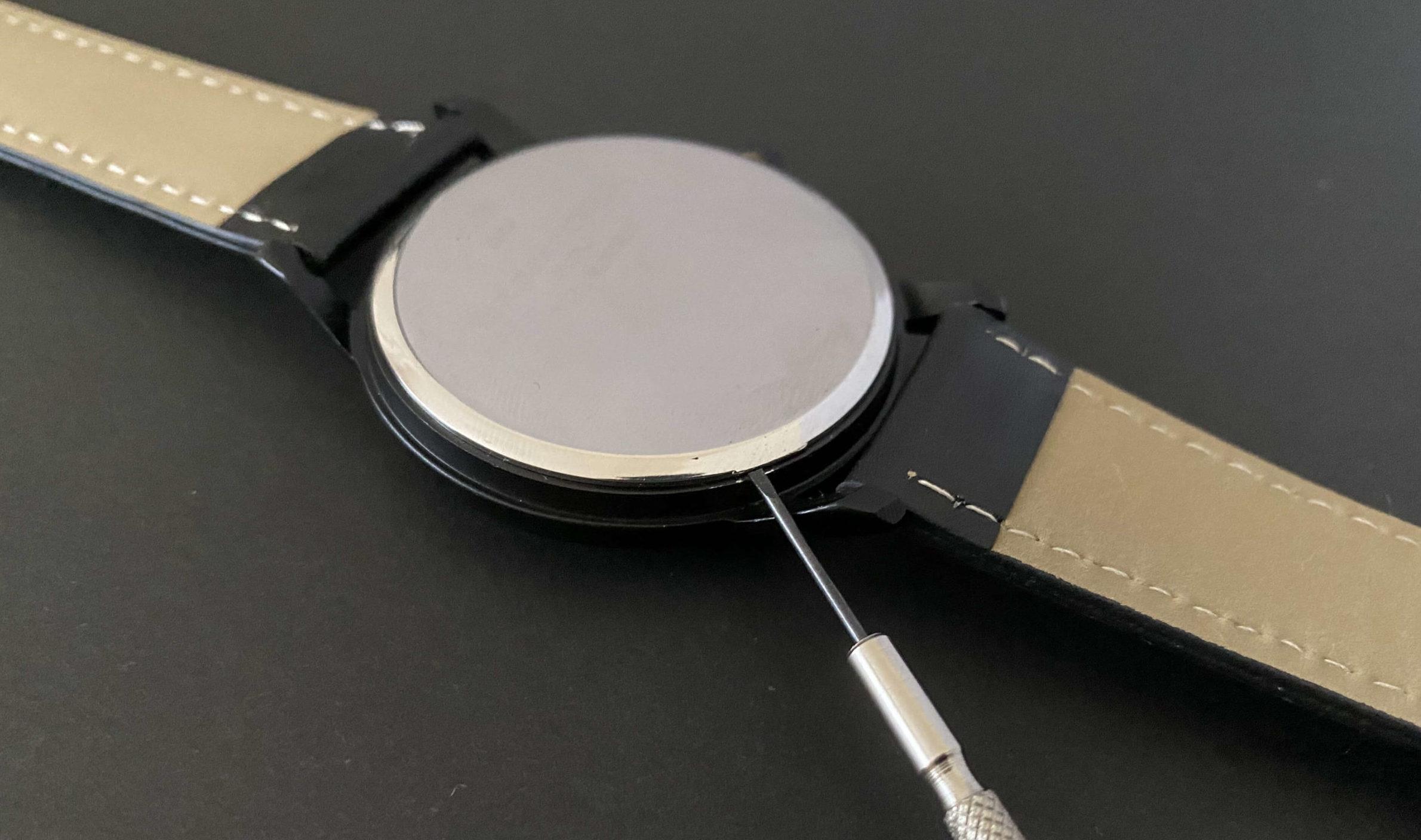 ダイソー腕時計のSR626SW電池交換では裏ぶた開けが難しい