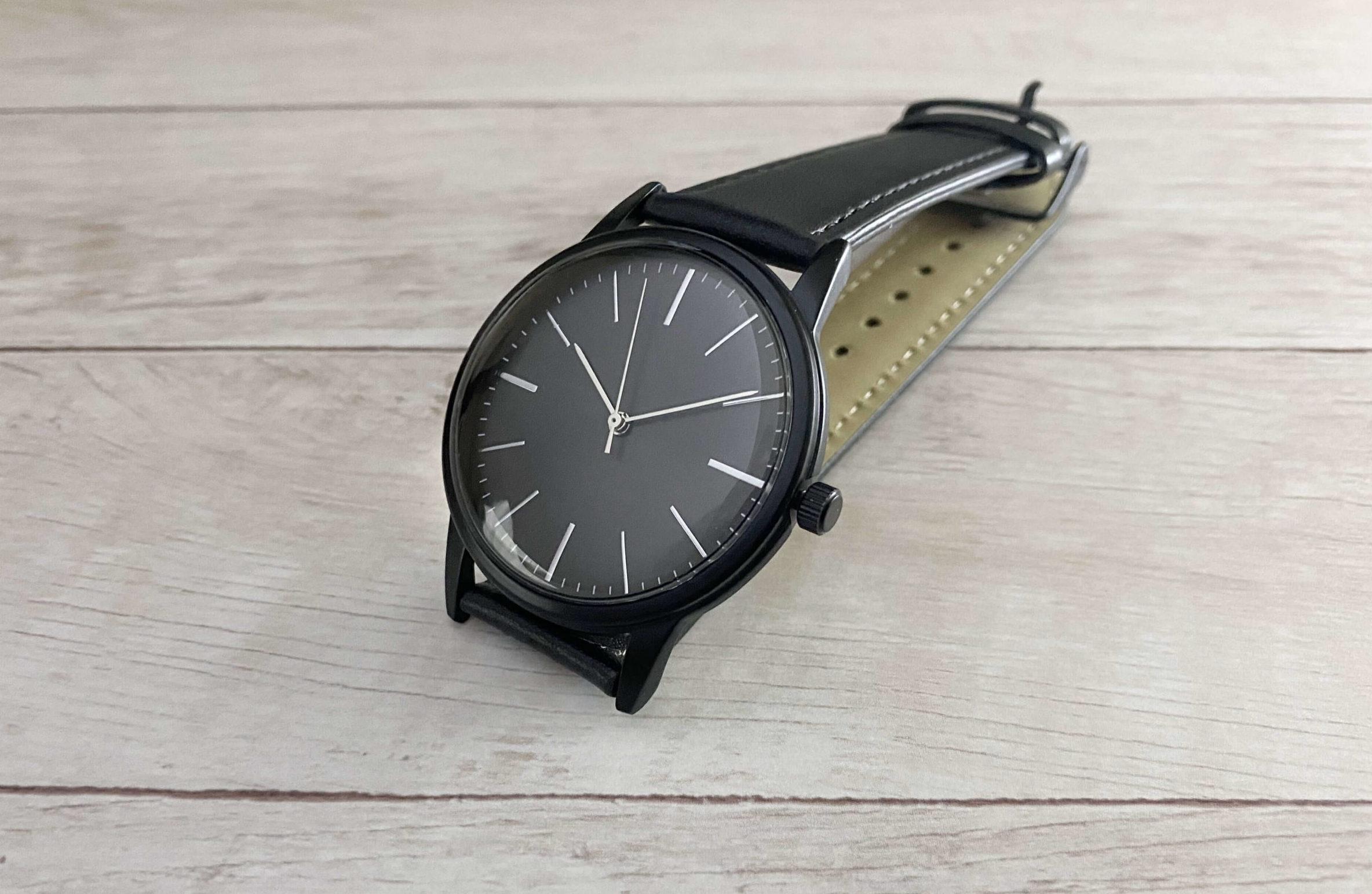 ダイソー500円腕時計のサイド