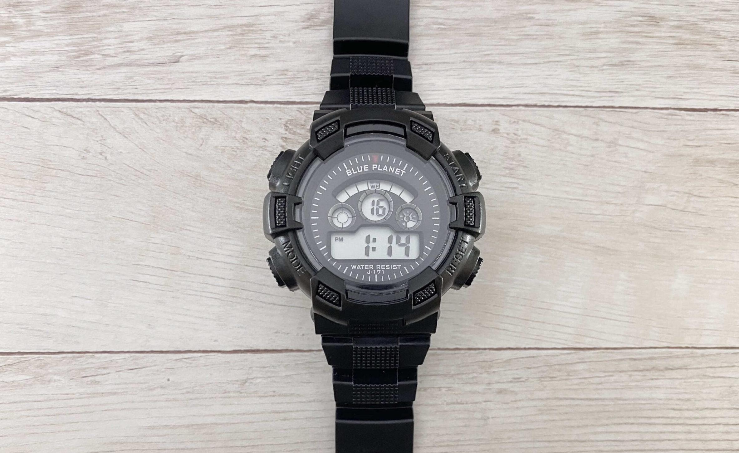 ダイソー腕時計ブループラネットGのデジタルディスプレイ