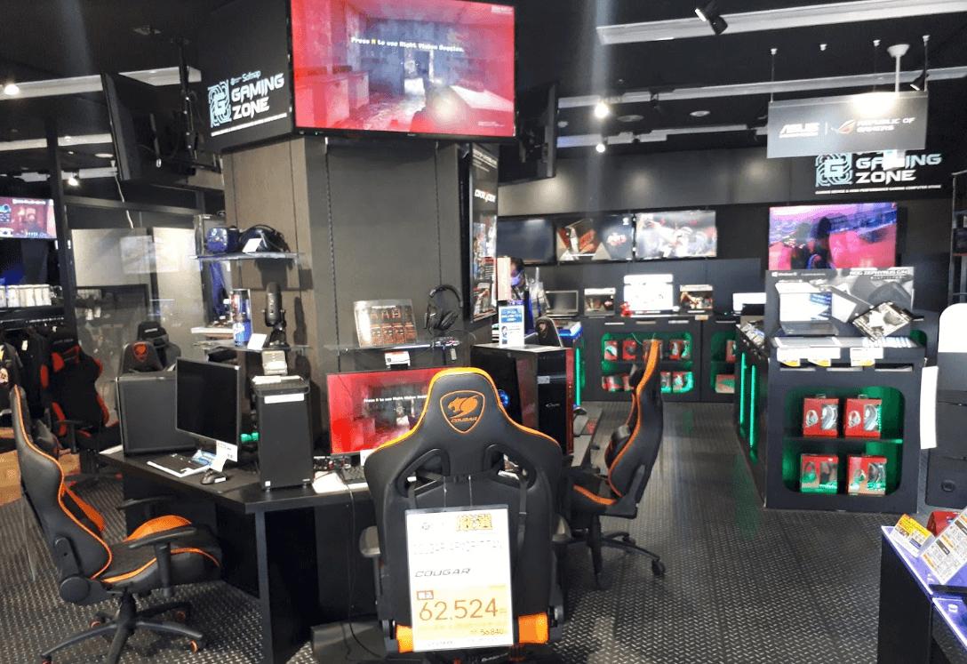 ソフマップ大阪なんばのゲーミングチェアを体験