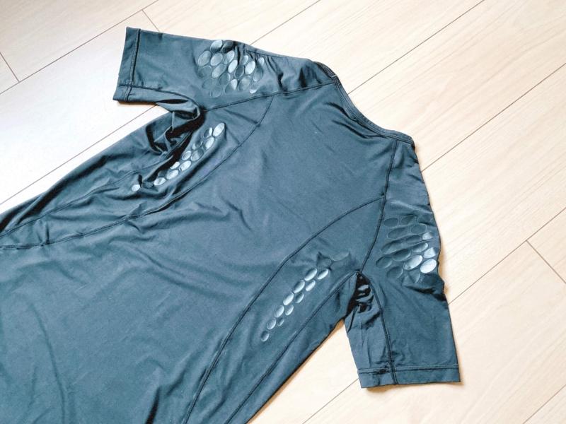ユニクロの加圧シャツのレビュー