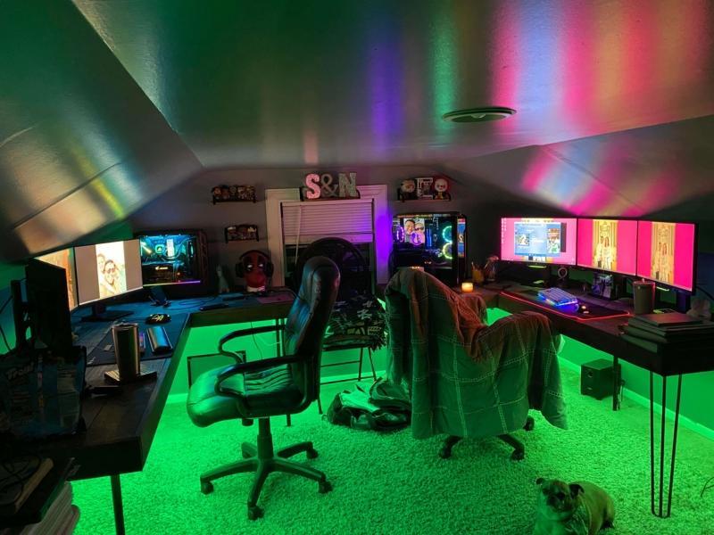カップルや夫婦の屋根裏のゲーム部屋