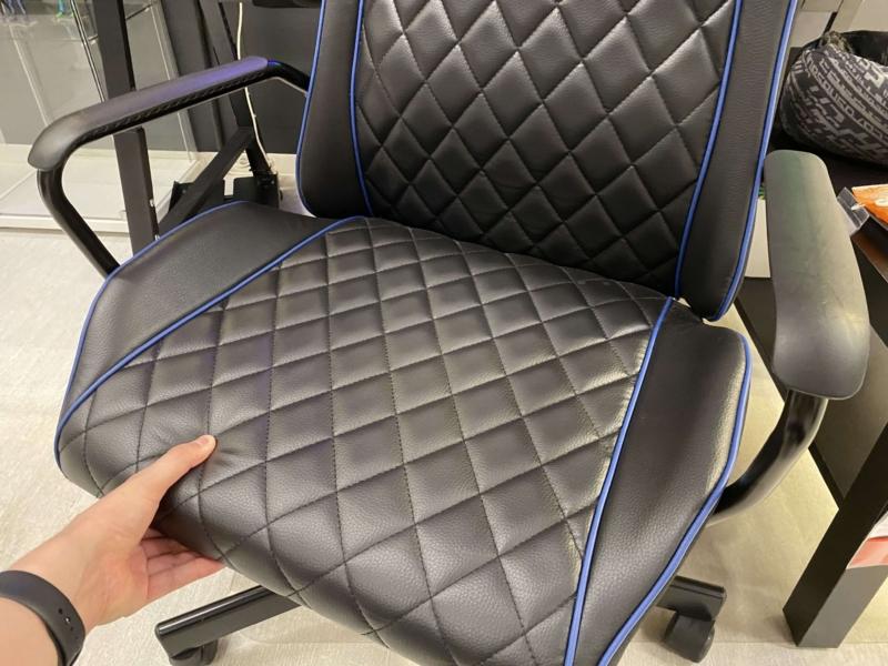 IKEAのゲーミングチェアの座面