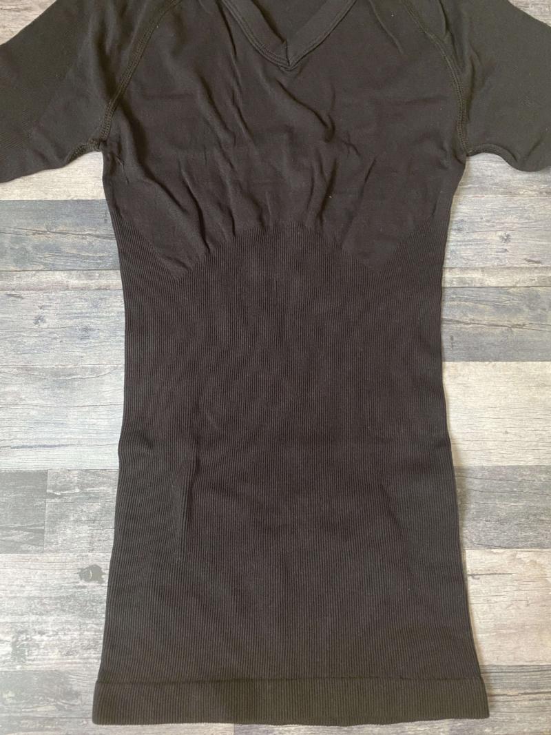 SASUKE加圧シャツの腹部の素材