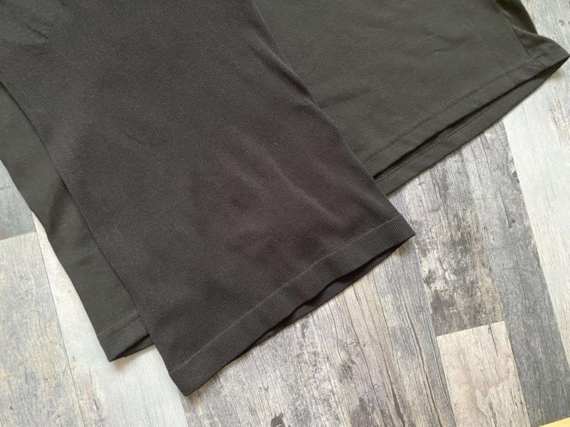 SASUKEとユニクロの加圧シャツの裾を比較