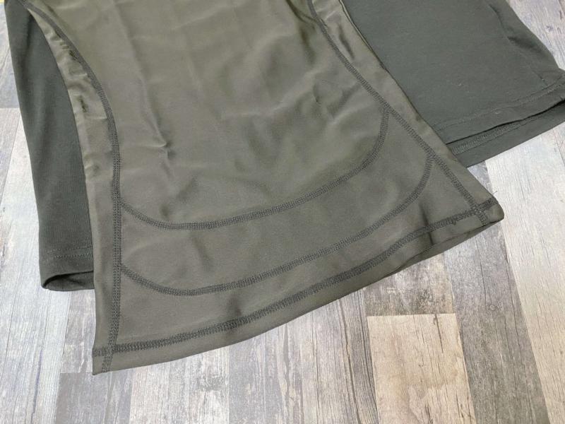 シックスチェンジとユニクロの裾を比較