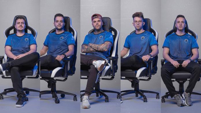 noblechairsゲーミングチェアに座るSK Gamingメンバー